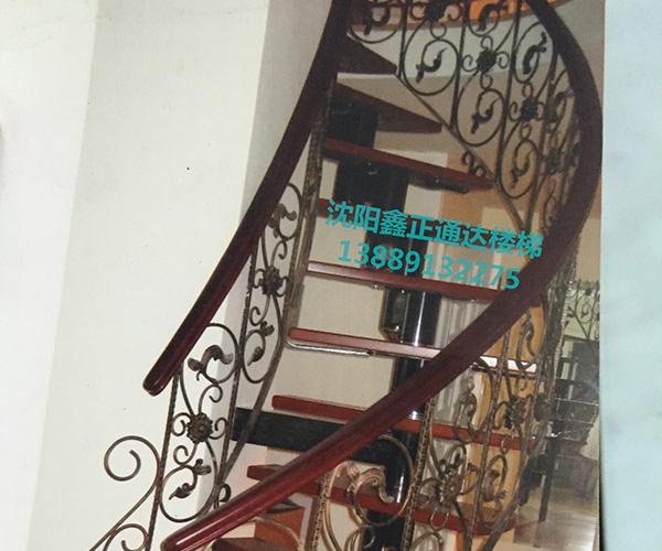 钢木楼梯定制
