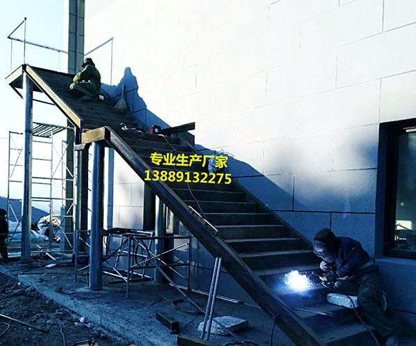 铁艺消防楼梯