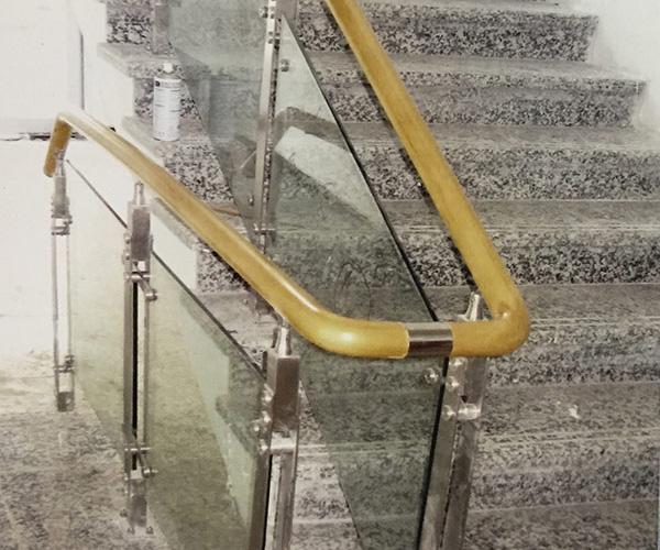 白钢玻璃扶手
