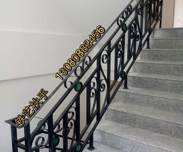 别墅楼梯铁艺扶手